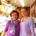 2013 Oma und Vivien in Lok